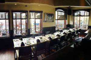 group-dining-bar-Skyloft